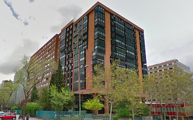 El edificio adquirido está situado junto a la calle Orense y Cuzco,...