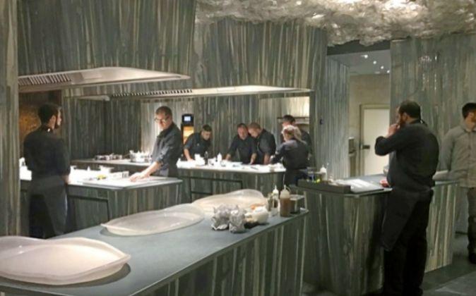 Imagen de la cocina de Enigma, el nuevo proyecto de Albert Adrià.