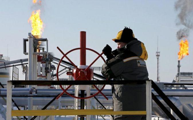Imagen de una refinería petrolífera en Rusia