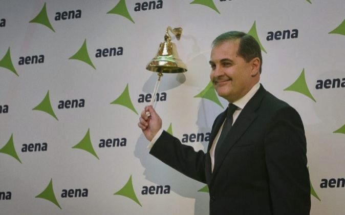 El presidente de Aena, José Manuel Vargas,en su salida a Bolsa.