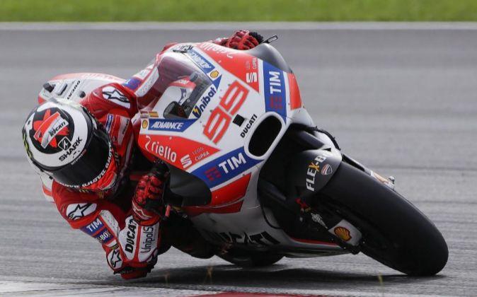 Jorge Lorenzo a los mandos de su Ducati.