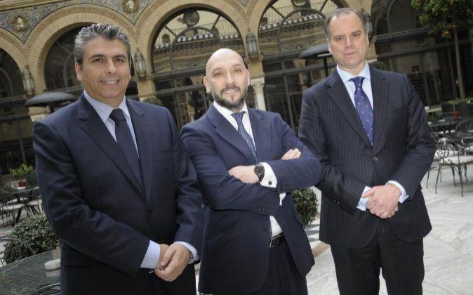 De izquierda a derecha, Antonio García, Jorge Gordo y Enrique...