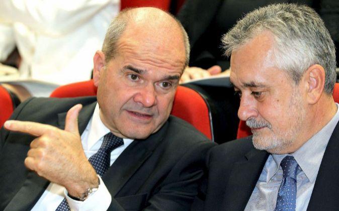 Los expresidentes de la Junta de Andalucía, Manuel Chaves y José...