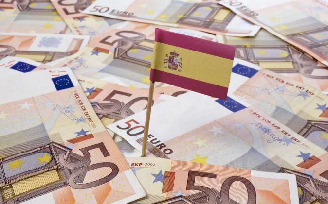 BANDERA DE ESPAÑA SOBRE BILLETES DE 50 EUROS.