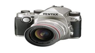 La cámara tiene una resolución de 24 megapíxeles en formato APS-C,...