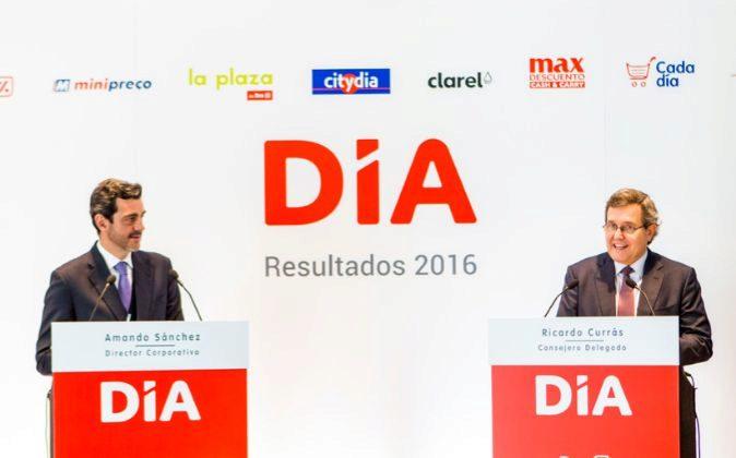 Amando Sánchez, director corporativo, y Ricardo Currás, consejero...