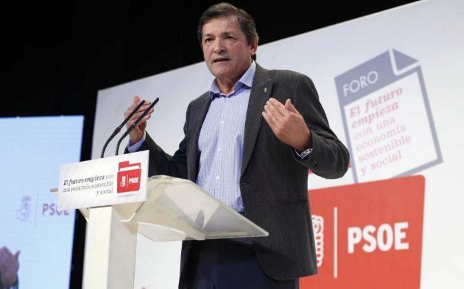 El presidente de la gestora socialista Javier Fernández.