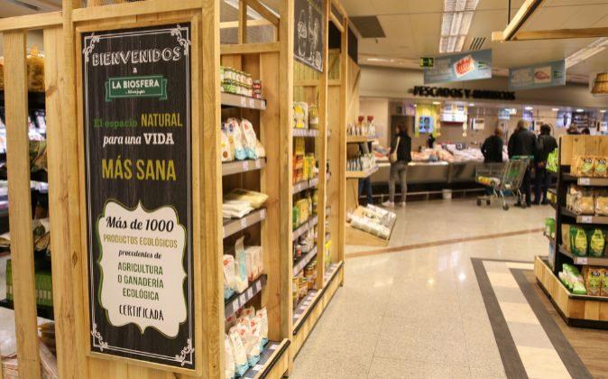 Nueva zona de alimentación ecológica en la tienda de Avenida de...