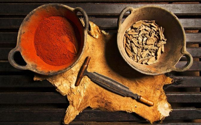 Los curtidores utilizan taninos naturales para el tratamiento de sus...