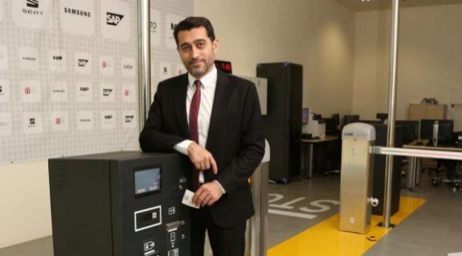 José Antonio López, director de sistemas de Saba, en la réplica de...