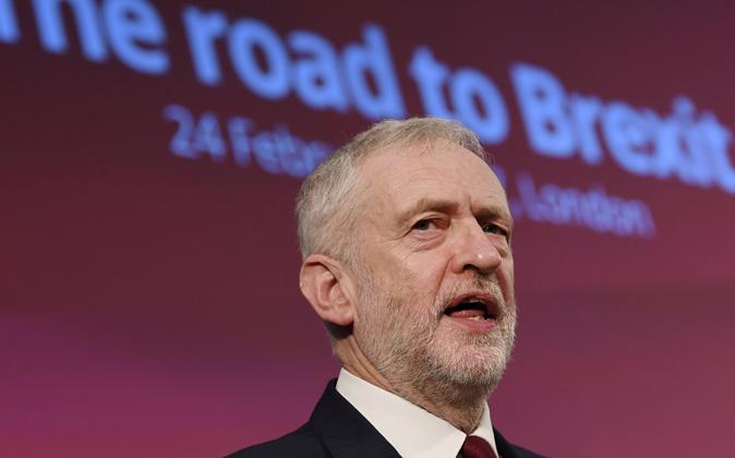 Corbyn piensa que cualquier acción destinada a renegociar la...