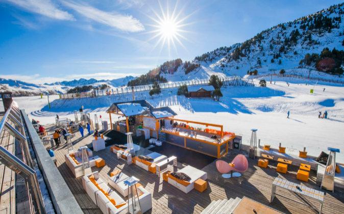 El glamour en pistas se hace realidad en la terraza Gall de Bosc en...