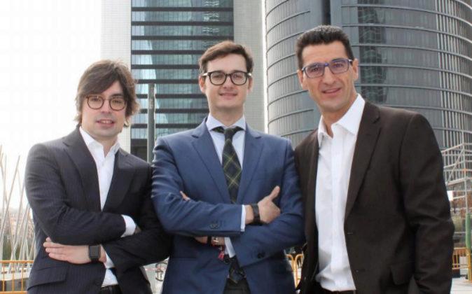 De izqda. a dcha., Alejandro Touriño, socio director de Ecija Madrid;...