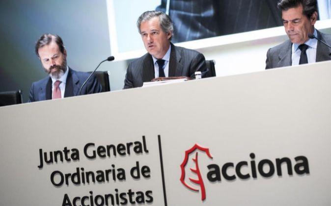 Junta General de Accionistas de Acciona 2016, presidida por José...