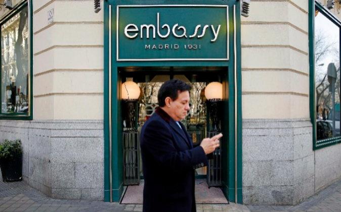 Aspecto de la mítica fachada de Embassy en el Paseo de la Castellana.