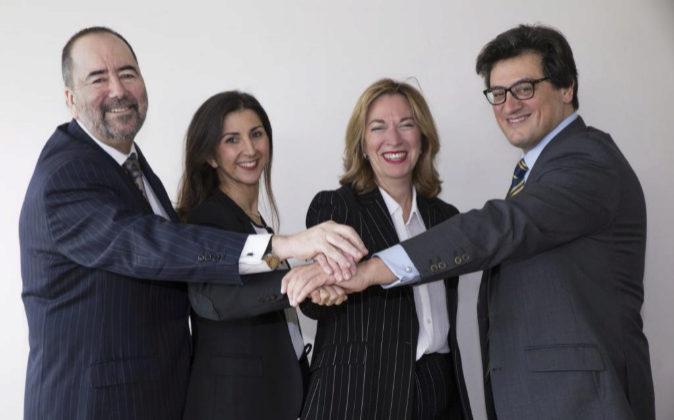De izda a decha., los tres nuevos socios de Dutilh: José Antonio...