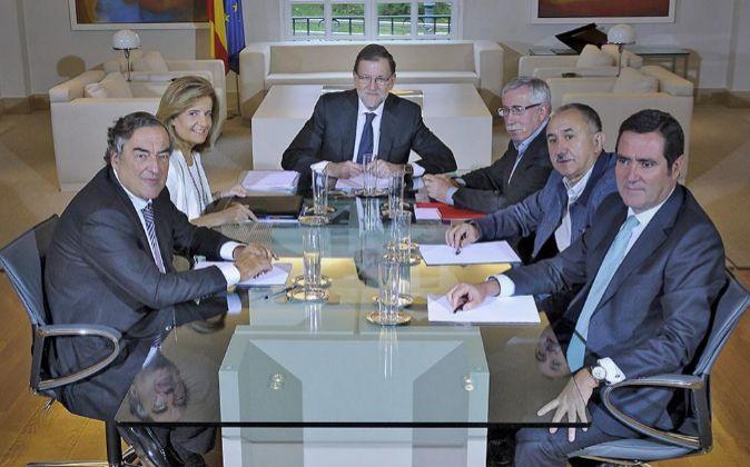 Reunión del Gobierno y sindicatos Foto: JMCadenas