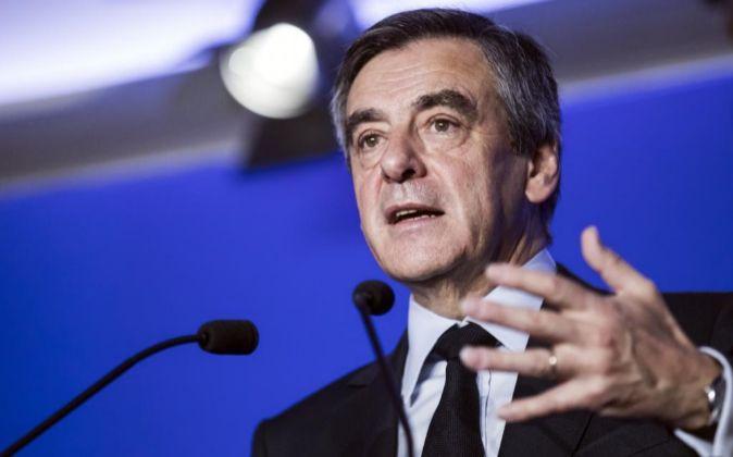 El candidato conservador a la Presidencia francesa, François Fillon,...
