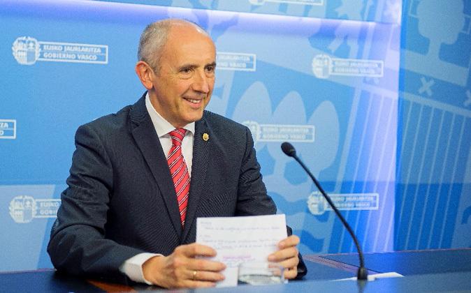 El portavoz del Gobierno vasco, Josu Erkoreka, tras la reunión de...