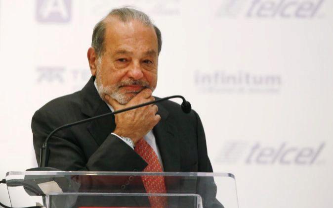 Carlos Slim es el magnate mexicano que controla FCC. Foto: Susana...