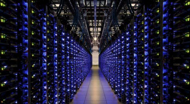 Imagen de uno de los macrocentros de datos de Google, ubicado en...