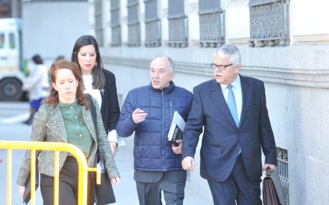 Fernández-Ordónez a su llegada hoy a la Audiencia Nacional.