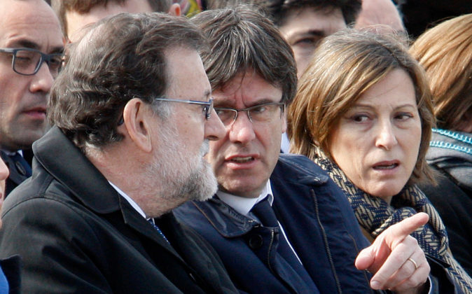 El presidente del Gobierno Mario Rajoy, el president Carles Puigdemont...