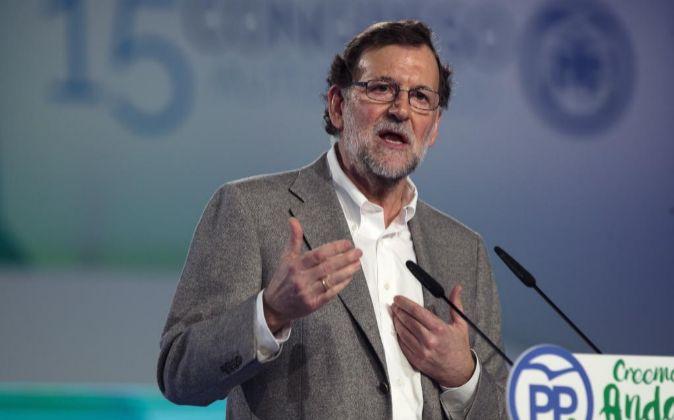 El presidente del Gobierno, Mariano Rajoy, ayer durante su...