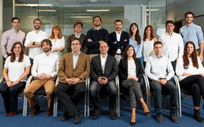 El equipo de Medlumics, en sus instalaciones en Tres Cantos (Madrid).