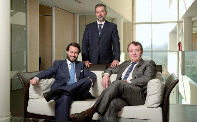 De izq. a dch., los socios directores de Vaciero, Juan Galán y Javier...