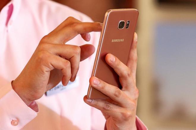 El Galaxy S8, el sucesor del Galaxy S7 (en la imagen) se presentará...
