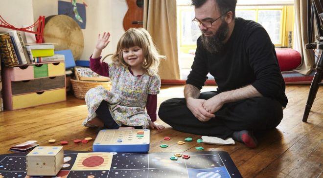 Prima Toys ha desarrollado Cubetto, un juguete para que  los niños...