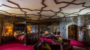 castillo Thornbury