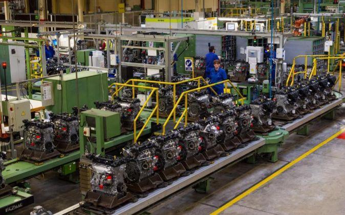 Línea de montaje de motores en Almussafes.