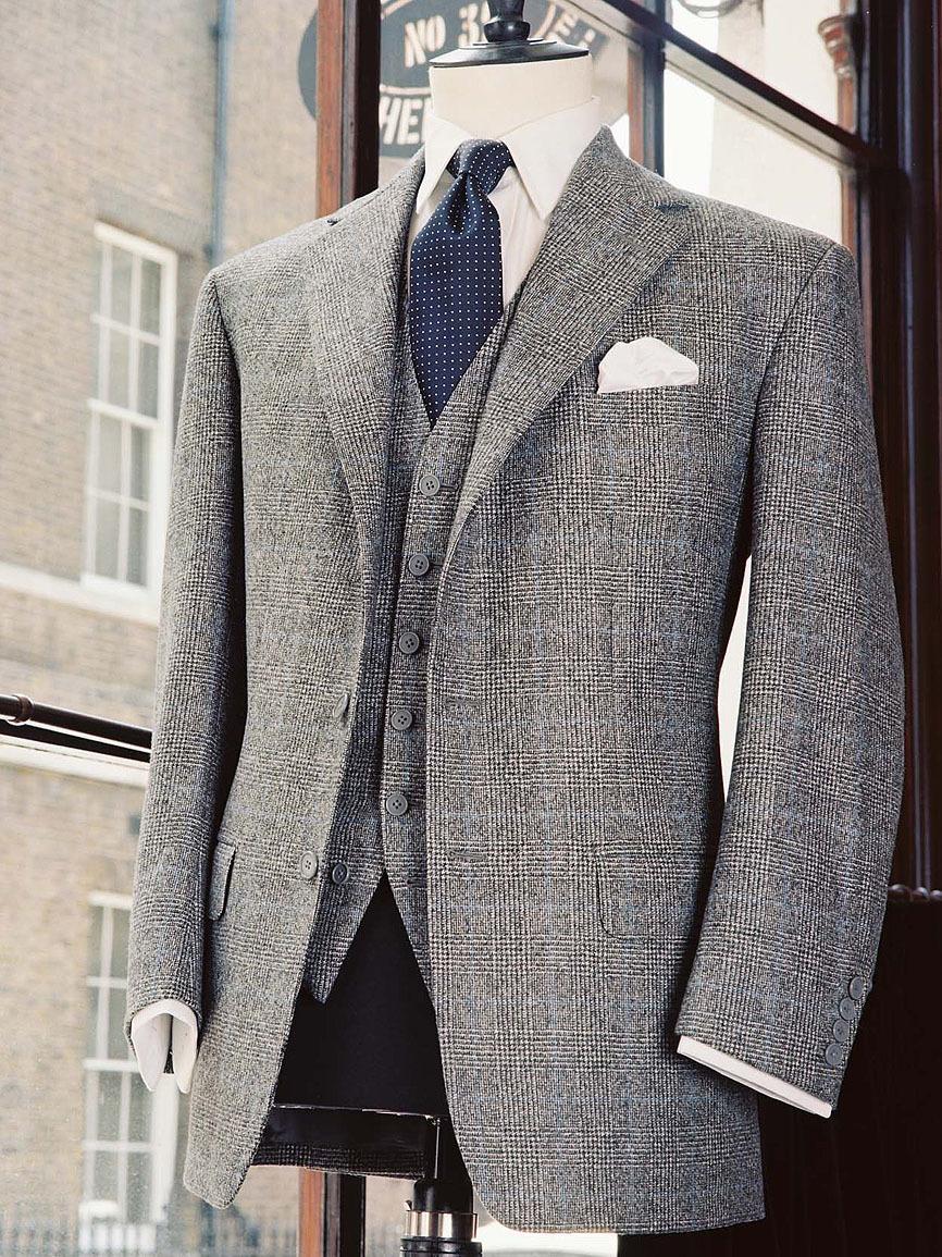 Casa inglesa fundada en 1906, ha vestido a los hombres y mujeres más...