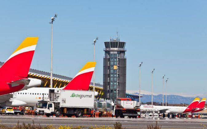 Imagen de aviones de Iberia en el aeropuerto de Barajas