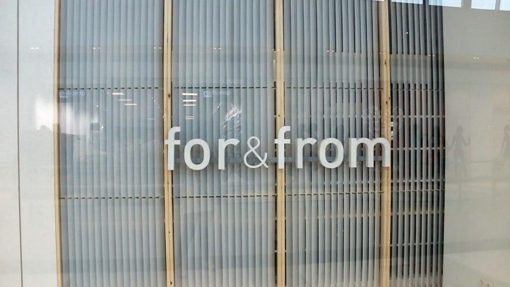La nueva tienda de Tempe Grupo Inditex  For & From está ubicada en el...