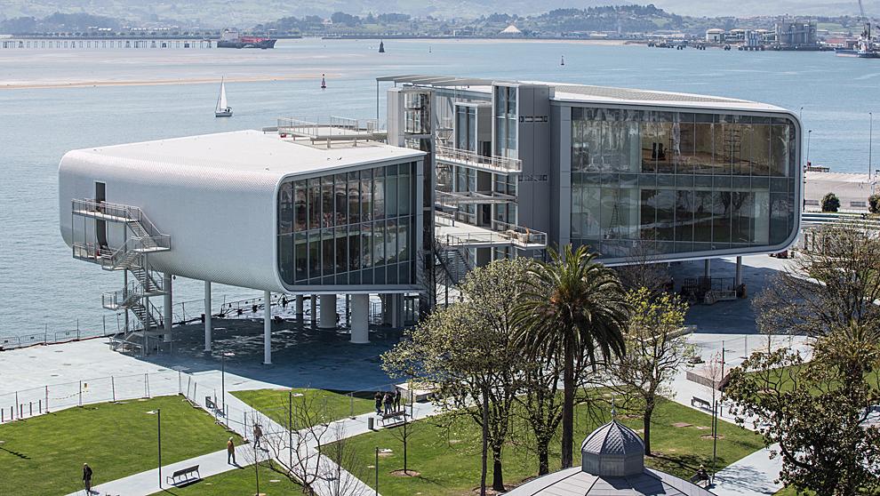 Imagen del Centro Botín, ubicado en Santander y que abrirá sus...
