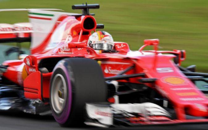 Sebastian Vettel a los mandos de su Ferrari.