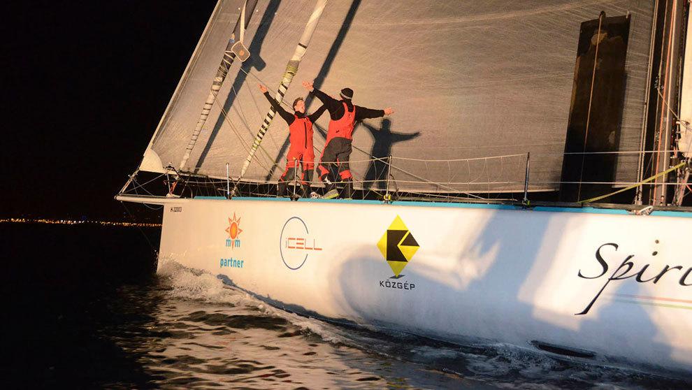 Conrad Colman y Nandor Fa celebran la llegada a Barcelona