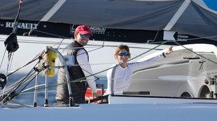 Gerard Marín y Anna Corbella, a bordo del velero Gaes de Barcelona...