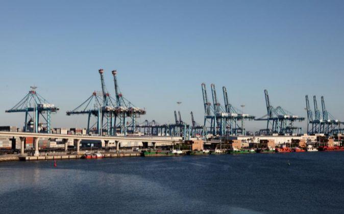 Vista general de las instalaciones del Puerto de Algeciras, el de...