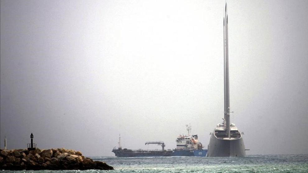 El 'Sailing Yacht A', en aguas danesas tras salir deol...