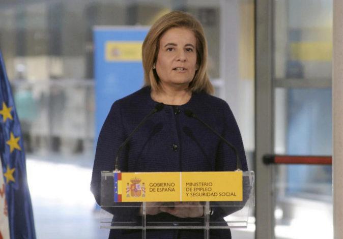 La ministra de Empleo, Fátima Báñez, este martes durante la...