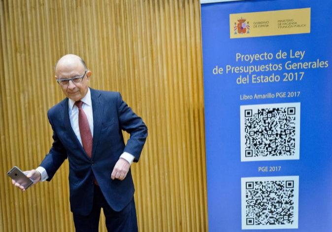 El ministro de Hacienda y Función Pública, Cristóbal Montoro, este...