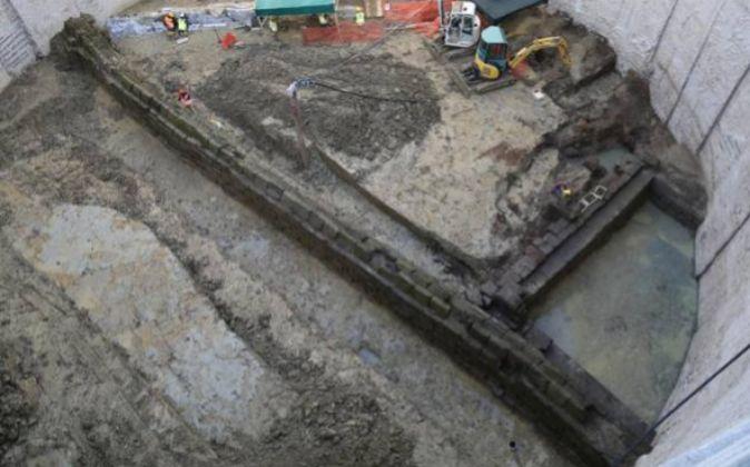 Obras del metro donde se ve el Acueducto encontrado el lunes 3 de...