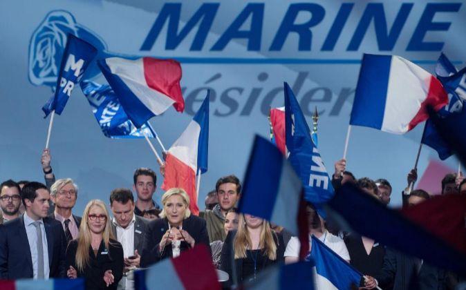 Imagen de Marine Le Pen, candidata del Frente Nacional, en un acto de...