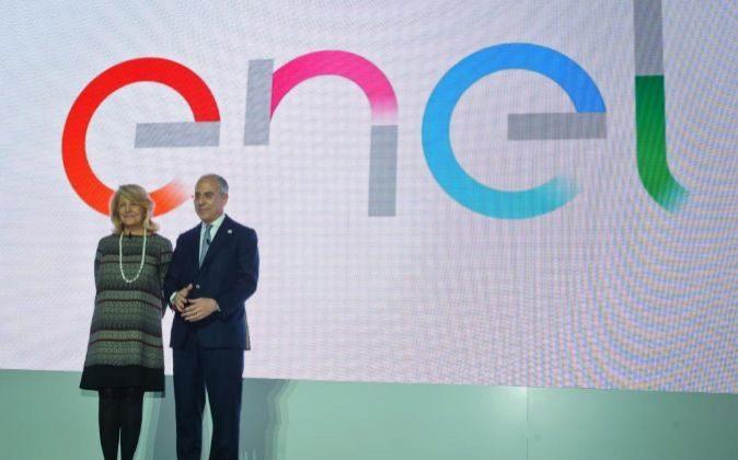 Patrizia Grieco, presidenta de Enel, y Francesco Starace, consejero...