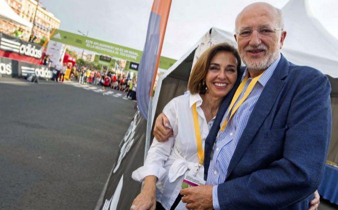 Juan Roig, presidente de Mercadona, junto a su esposa, Hortensia...
