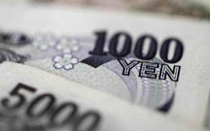 Imagen de billetes de yenes